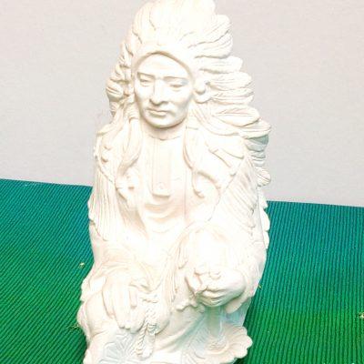 figura indio sentado